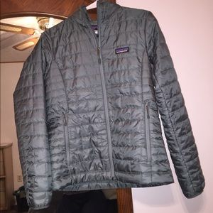 Patagonia Jacket- size Small, barely worn!!